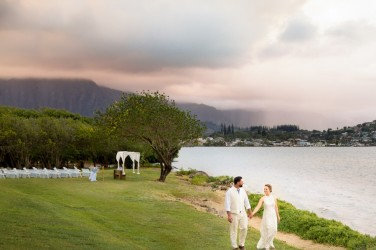 Hawaii Wedding Photographers, Oahu wedding, honolulu photographers, pineapples, hawaiian bride, hula